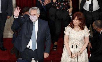 Alberto Fernádez con Cristina Fernández de Kirchner en el Congreso argentino