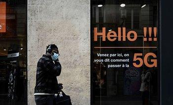 Un local de una telefónica en Burdeos, Francia, que ofrece el servicio 5G