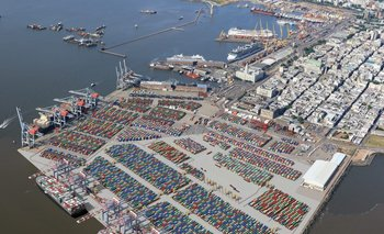 Terminal Especializada de Contenedores en el puerto de Montevideo de Katoen Natie
