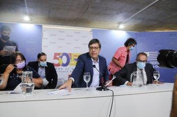 Conferencia del Frente Amplio en respuesta del discurso de Lacalle Pou en la Asamblea General.