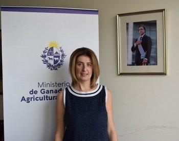 Fernanda Maldonado en su oficina en el Ministerio de Ganadería, Agricultura y Pesca