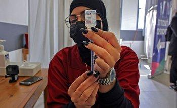 Vacuna Moderna aplicada en trabajadores palestinos en territorio israelí