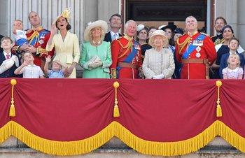 La fmilia real británica en el balcón del Palacio de Buckingham