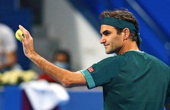 Federer volvió con triunfo en Doha