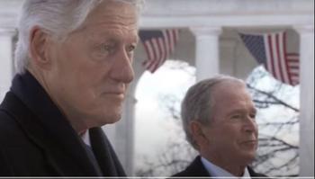 Clinton y Bush en el mensaje para promover la vacunación
