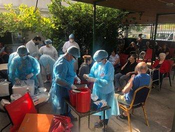 Residencial Danubio Azul en Montevideo, uno de los primeros en recibir las vacunas de Pfizer