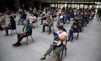 Coronavac evitó 67% de infecciones en aquellos inoculados y 80% de las muertes en Chile