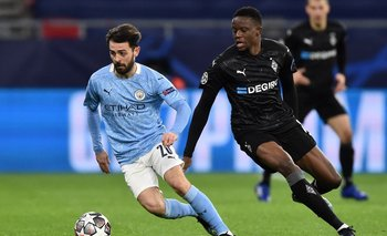 Ilkay Gündogan quiebra y escapa, como el City de la Superliga