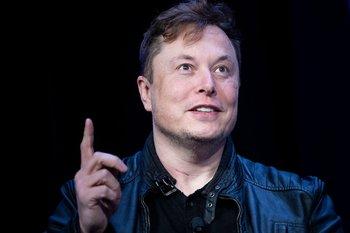 Elon Musk habla durante una convención en Washington