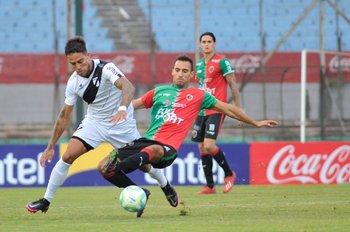Javier Méndez supera a Nicolás Barán