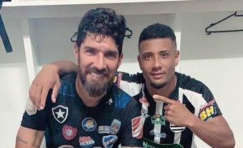 El Loco Abreu se despidió de sus compañeros en Minas Gerais