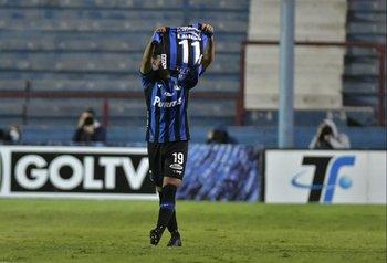 Rosso homenajea a Emiliano Alfaro que el domingo anunció su retiro