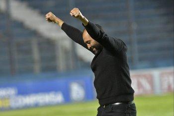 Marcelo Méndez festeja el Clausura