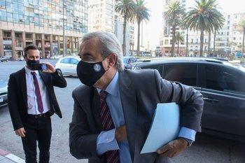 Jorge Larrañaga entrando al Consejo de Ministros, en Torre Ejecutiva, el 23 de marzo