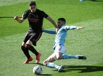 Valverde y Aaron Martin de Celta de Vigo.