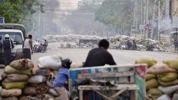 Las manifestaciones se suceden en Mandalay, y por todo el país, desde el mes pasado.