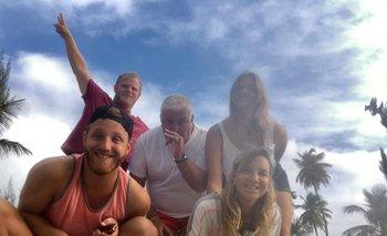 Alberto Sonsol rodeado por su familia