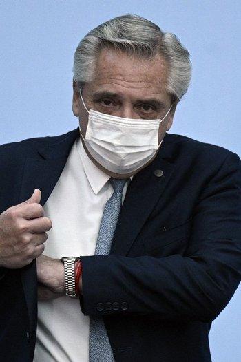 Alberto Fernández, cercado por el kirchnerismo
