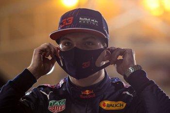 Max Verstappen celebra haber conseguido la primera pole position del año en Baréin