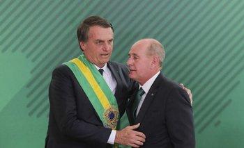 Bolsonaro con Azevedo e Silva, saliente ministro de Defensa