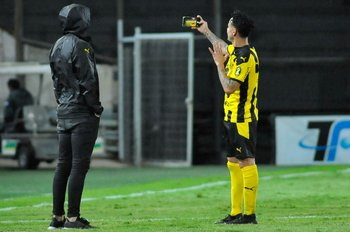 Fabián Estoyanoff se tomó una selfie en su despedida de Peñarol