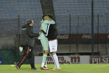 El abrazo al héroe, Nicolás Rossi.