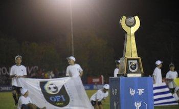 El trofeo de la Copa Nacional de Selecciones de OFI