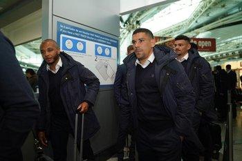 Maxi Pereira en el viaje a Liverpool