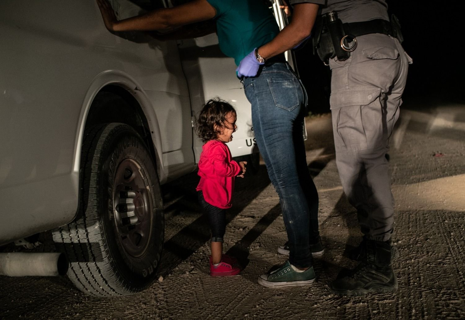 Imagen de niña migrante llorando en frontera gana el World Press Photo