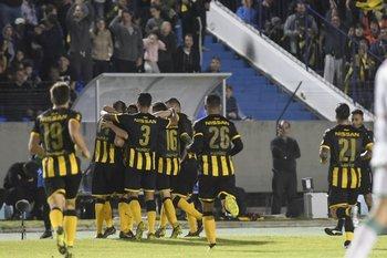 El festejo del gol convertido por Pereira