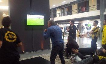 En el Campeón del Siglo hinchas de Peñarol gritaron el gol de Bergessio