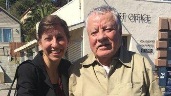 Cristina Bordé junto a Vicente Benavides, poco antes de que el segundo recuperara su libertad