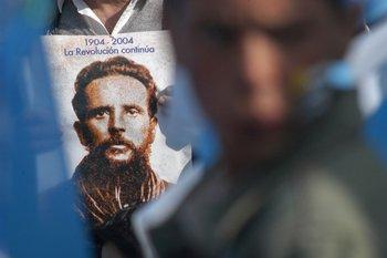 Varias versiones florecieron sobre el origen de ese disparo que hirió de muerte a Saravia
