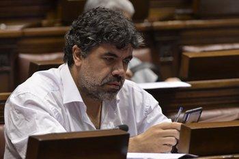 El senador comunista fue víctima de un robo en su casa del balneario San Luis