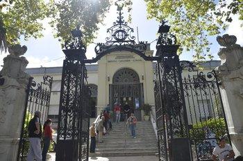 Fachada del Hospital Español