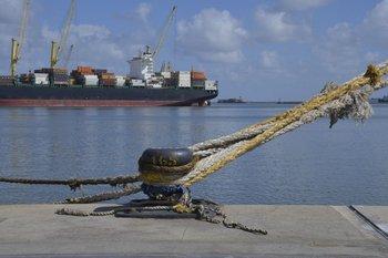 Argentina avanza contra Uruguay en la lucha de puertos