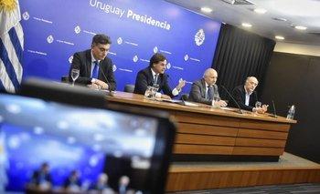 El presidente Lacalle Pou mantiene un grupo de Whatsapp para monitorear el regreso a clases con el ministro Pablo da Silveira y el presidente del Codicen, Robert Silva, desde 2020