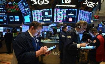 Los mercados reaccionaron con pesimismo ante un mal datos del comercio minorista en EEUU.