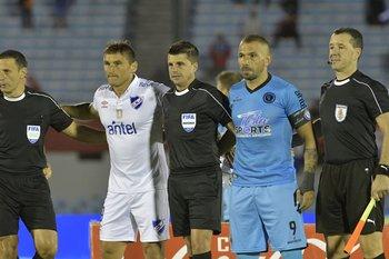 Con Bergessio y Cunha en el 2-2 contra Nacional