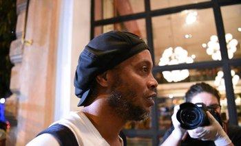 Ronaldinho al llegar al hotel