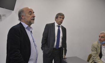 Archivo. Pablo Mieres y Mario Arizti durante una conferencia en Torre Ejecutiva.