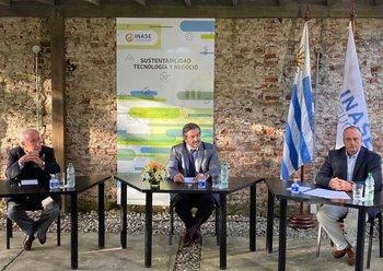 Pedro Queheille, Carlos María Uriarte y Álvaro Nuñez durante el acto de asunción.