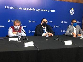 Gabriel Osorio, Juan Ignacio Buffa y Mario Andrés Rodriguez en conferencia de prensa.