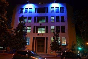 La fachada del BPS estará iluminada de azul por el Día de Concientización del Autismo