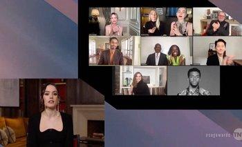 La actriz Daisy Ridley anuncia el premio para Chadwick Boseman