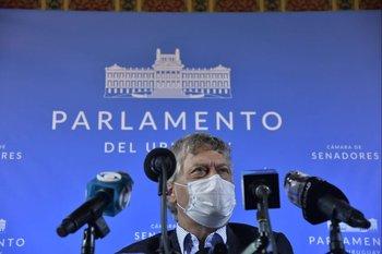 Rafael Michelini durante la conferencia de prensa posterior a la reunión