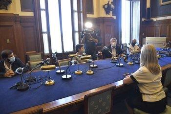 Integrantes de la Comisión Nacional Pro Referéndum se reunieron este lunes con Argimón