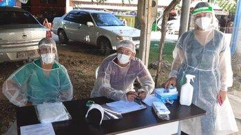 El personal en la frontera boliviana con Brasil redobla esfuerzos para contener el avance de los contagios.