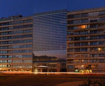 Ilustración de la fachada del hotel MGallery en la rambla de Pocitos, en Montevideo