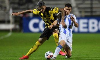 Nicolás Schiappacasse llegó como figura a Peñarol y queda fuera de actividad por una grave lesión en la rodilla